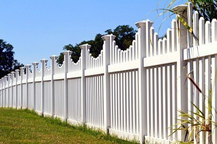 Vinyl Fence Calgary Cottams Fencing Amp Contracting